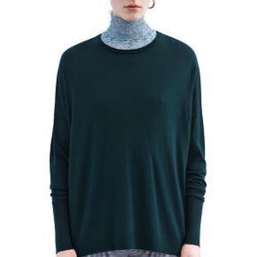 Nypris: 1900,-  100% merino uld.   Farven er som på første billede. En dyb flaskegrøn.  Jeg er åben for bud :-)