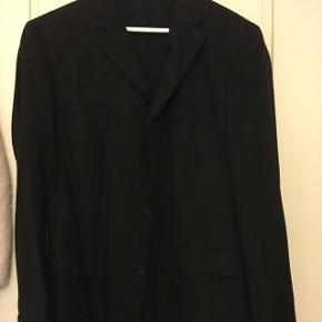 Hugo Boss jakkesæt. Brugt 2 gange.