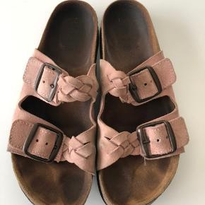 Sælger disse Shoe the Bear sandaler i str. 39. Byd.