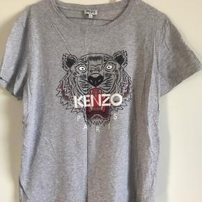 Lækker t-shirt fra Kenzo - brugt få gange - fitter en s/m