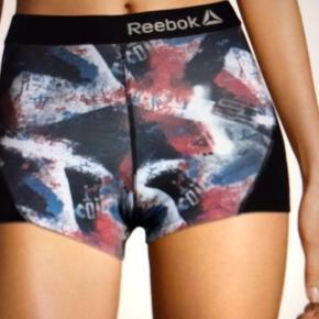 2 par Reebok shorts de er nye og er stadig i æsker de er så fine både som shorts men også bare som undertøj de er så behagelige 😊😊