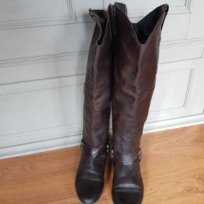 Mørkebrun lang støvle 100% blødt skind Støvle længde er lige under knæ