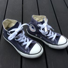 Converse all Star sneakers High i blå str. 28 - brugt meget få gange, stort set ingen synlig slitage på bund
