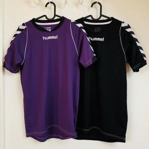 Hummel sports T-Shirts i henholdsvis sort og lilla. Brugt få gange. 100 kr. for én eller 2 for 175 kr. Ekskl fragt.Fragt med Dao for 30 kr.