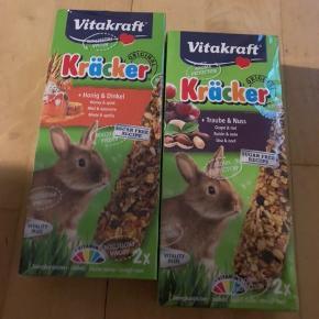 Sælger ud af vores kanins ting. Har ingen fast pris, så kom med bud🌸  Sender gerne mod betaling - eller befinder sig i Køge. (Og IKKE i Ebeltoft som skrevet!)