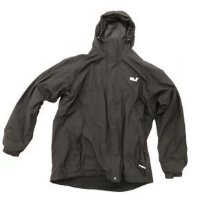 Lækker ski/vinterjakke med aftageligt foer i fleece, som så kan bruges som en selvstændig fleecejakke.Rigtig lækker jakke der kan tilpasses vejrforholdene. Str. 3XL / 60.
