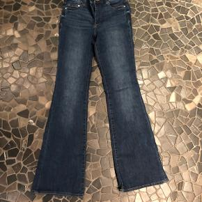 Sælger de her mega fede flare jeans fra h&m De er brugt højst 4 gange