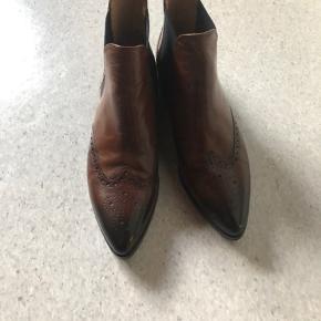 Fantastisk fede støvler, brugt meget lidt.