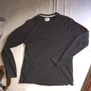 En grå norse trøje i bomuld I fin stand