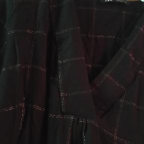 kjole fra zara str xl, købt i london jan2020.  150kr, kun prøvet på og vasket en gang :) afhent på østerbro