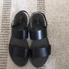 Super fine sandaler fra & other stories str. 37, brugt 1 gang og står derfor som nye. Np 650, byd 🌸🌸🌸
