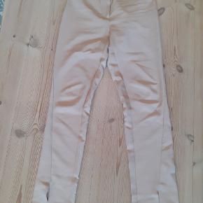 Jeg får desværre ikke brugt de her bukser ... Men de fejler intet 😊