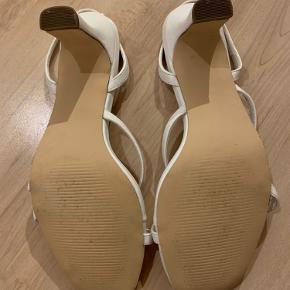 Fine Na-kd sandal med hæl i hvid Størrelse 37