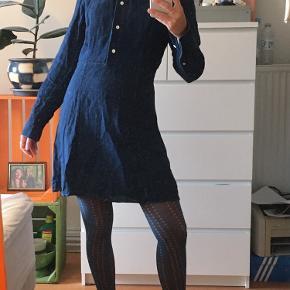 Super sej denim kjole fra arket. Brugt få gange. Str 36