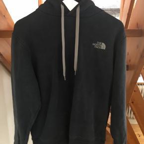North Face hoodie  Str: M (fitter 170-180) Mp: 250 Bin: 400