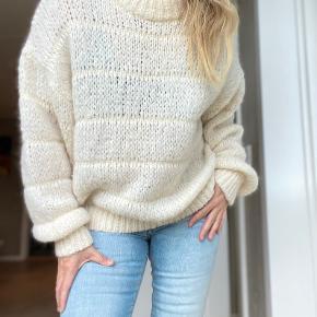 Charlotte Eskildsen sweater