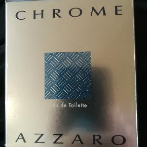 Helt ny Azzaro Chrome EDT 30 ml. Er ægte, uåbnet og købt i dansk butik.  NP 325 kr. NU 150 kr. Se på billederne for mere information.