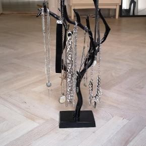 Smykketræ til opbevaring af smykker
