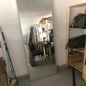 Grosser ganzkörper Spiegel cirka 2 meter hoch 80 cm breit
