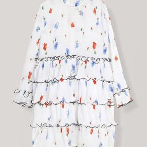 Super fin Ganni lowell dress kjole brugt få gange str 38🦋🦋  Åben for bud!
