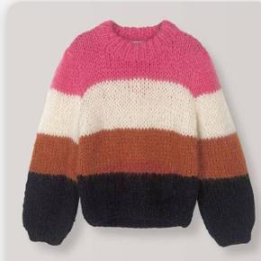 Ny trøje fra ganni, fået i gave men jeg ønsker mig en anden. Den er helt ny, med mærke og prisen var 3099 - sælges for 1500. En utrolig lækker trøje, lidt mer speciel en den vanlige gannitrøjen.  Sender om køber betaler.