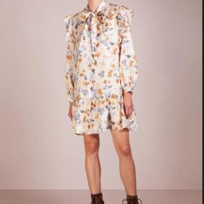 Smuk blomstret kjole fra Lovechild ✨. str 36 - 100% silke