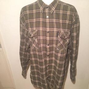 Skovmandsskjorte - oversize - ternet skjorte.