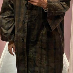 Mark Kenly Domino Tan frakke