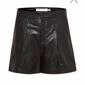 Inwear læder shorts Str.36 Ny pris 1.400kr Din pris 400kr