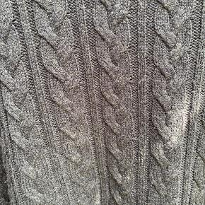 Passer s-L. Farven er jeans blå/mørk grå. Prisen er ekskl. porto.