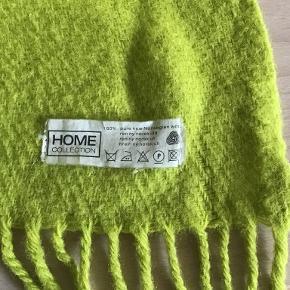 Plaid, limegrøn fra Home Collection. 100% ren ny norsk uld. 150 cm x 180 cm Pris eksl. porto