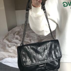 Zara taske Np 400kr Aldrig brugt 250 inkl