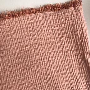 Lækkert HAY sengetæppe 150x210. Sælger kun af den årsag, at vi har fået større seng #trendsalesfund
