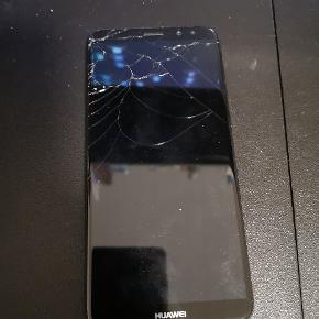 Huawei mate 10 lite. Virker upåklageligt. Skærm er ødelagt.