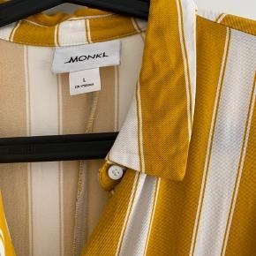 Fin stribet kjole fra Monki ☀️ BYD!