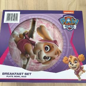 Paw patrol spisesæt - aldrig brugt og stadig i emballage.  40kr ex porto