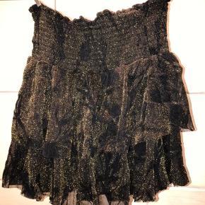 Virkelig fin nederdel. Perfekt til jul eller nytår!