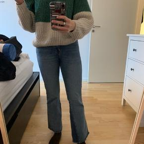 Lækre Dr. Denim jeans i størrelse w25 L28, de er ikke blevet brugt mere end et par enkelte gange, så de er nærmest nye.