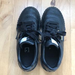 PUMA Cali sneakers i str. 37,5 (23 cm) 🌸 Brugt maks. 5 gange og har derfor ikke de helt store brugsspor🌸