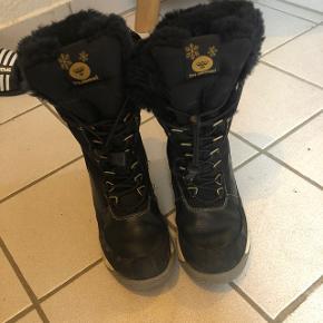 Vinterstøvle til pige sidste års model brugt meget lidt Str 36