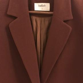 Smukkeste blazer fra ba&sh.   Sender KUN