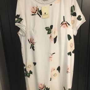 Lacony kjole