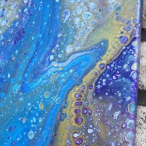Originalt maleri med lilla, blå og guld. Maleriet er 30x90cm.