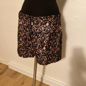 Fede shorts i lækkert print og flotte farver.