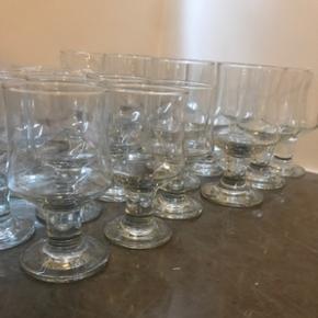 Rød- og hvidvins glas. 12 stk af hver