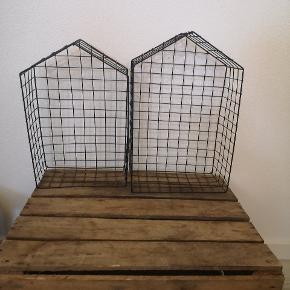 Tre 'huse' i hønsenet. I str. 38cm, 34 cm og 31 cm  Kim med et bud