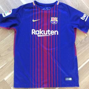 Original Barca spilletrøje. Fejler intet. Nikes børnestørrelse L, 147-158 cm, 12,13 år.