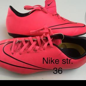 Til 36 13 Piger Sko Årige Størrelse Nike LpSUqMjzVG