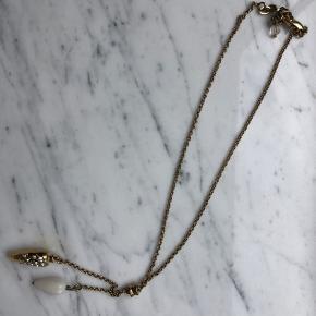 Fin halskæde med vedhæng