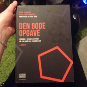 Den gode opgaver in very good  condition   Danish version  280 new